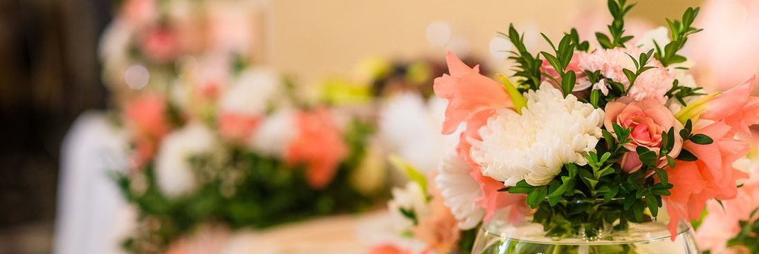 Flowers - Wedding Reception Ten Commandments - Blogue / Blog – Hôtels Gouverneur